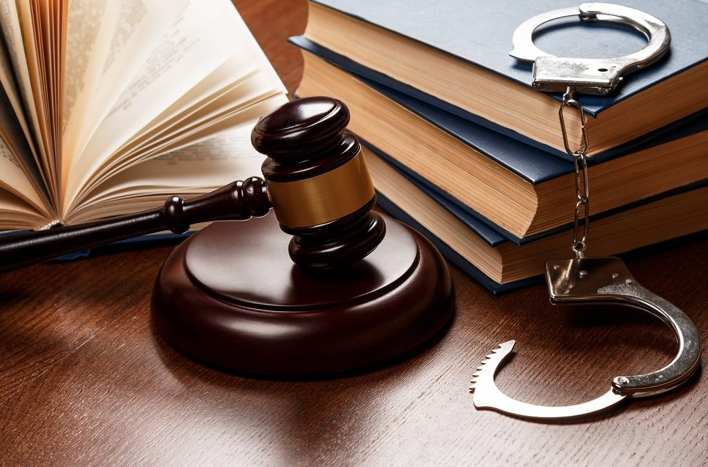 5 Things to Consider When Hiring a Criminal Defense Firm